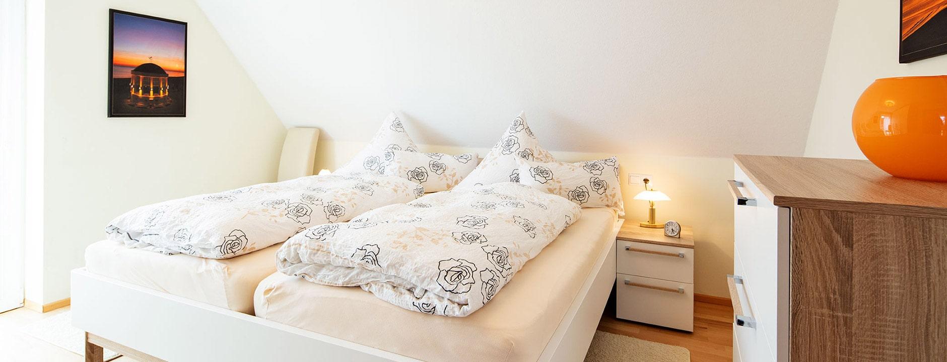 Zwei gleichwertige top-ausgestattete Schlafzimmer